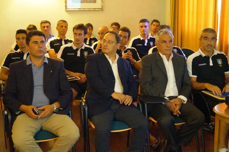 La sala con gli arbitri, in prima fila da sn. Longo, D'Anna, Raciti e Cascone