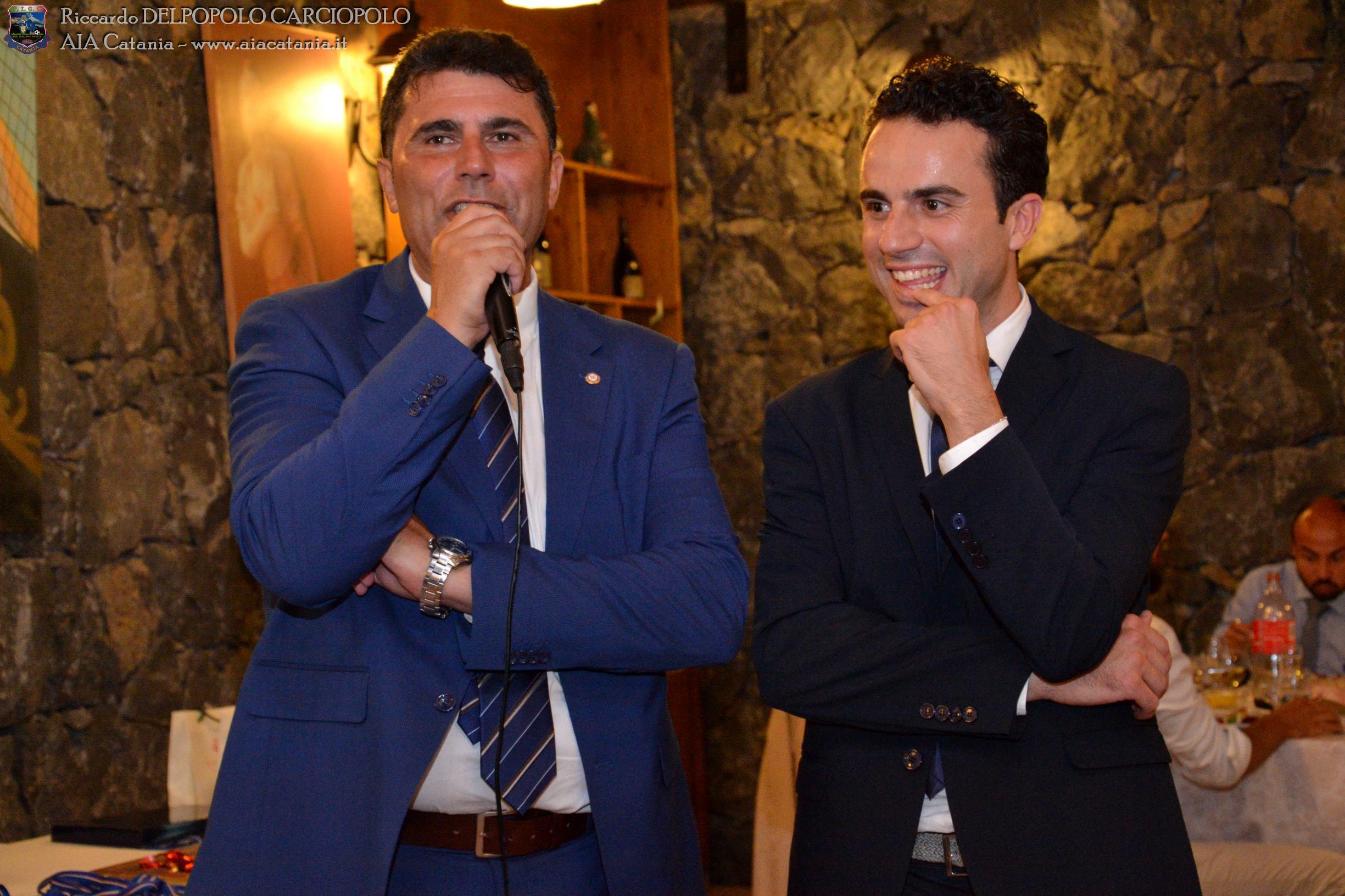 A.E. Luigi FICHERA premiato alla carriera consegnato da Cirino LONGO Presidente della sezione di AIA di CATANIA.
